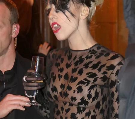 El lado humando de Lady Gaga [Video]