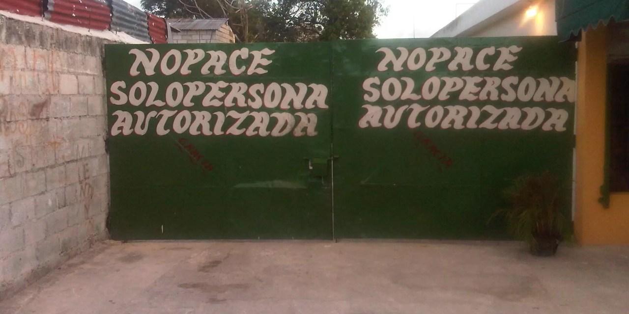 "Un letrero 100% vergonzoso ""No pace"""
