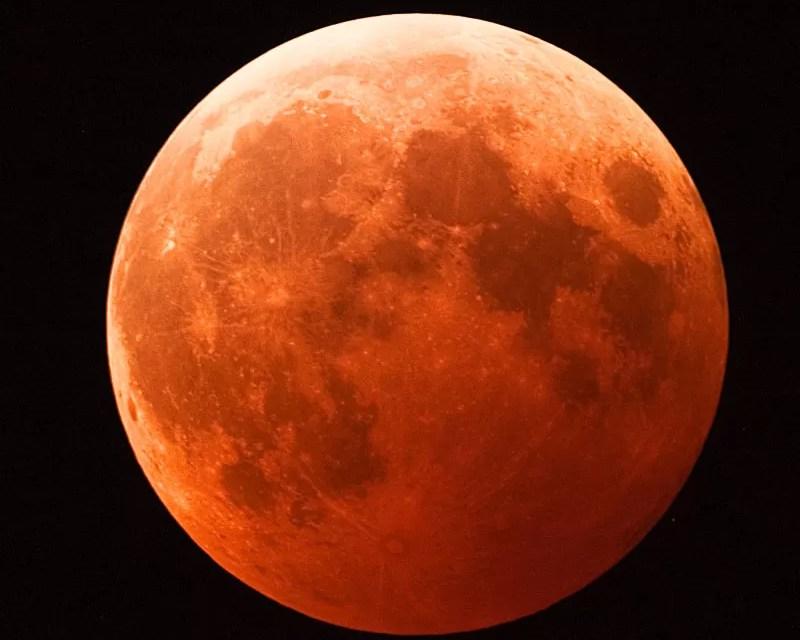 Curiosidades del eclipse y la superluna que se podrá ver  este domingo