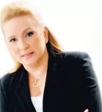 Jatnna Tavárez es sacada de la sala cuidados intensivos en Cedimat