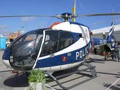 Joven dispara a el tanque de gasolina de helicóptero de la policía en los Angeles