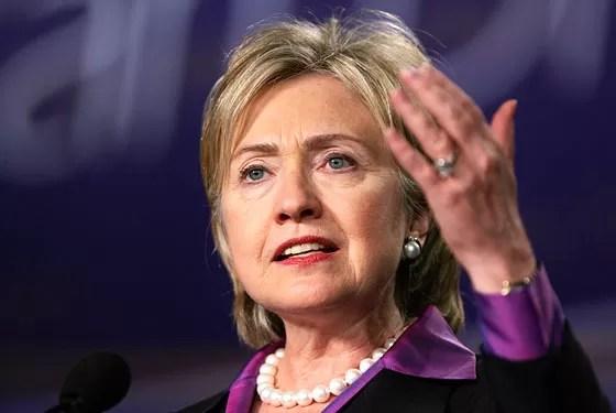 Hillary Clinton pide disculpas por utilizar su cuenta de correo personal