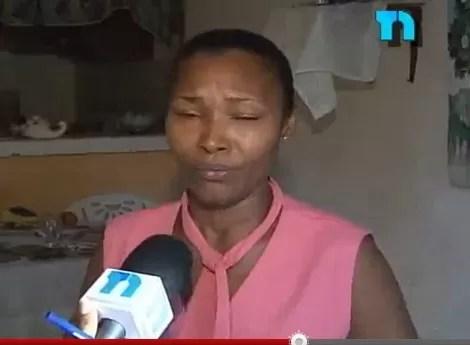 Mujer sale de su casa luego que su ex pareja destrozara los enseres del hogar (video)
