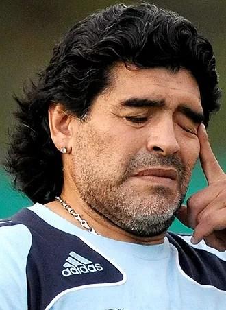 Estado italiano exige pago de 40 millones de euros a Maradona por evasión  de impuestos en los 80