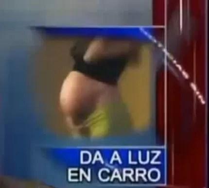 Mujer dio a luz en un carro público (video)