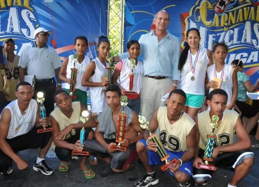 Tres hermanas ganan maratón femenino de Río San Juan