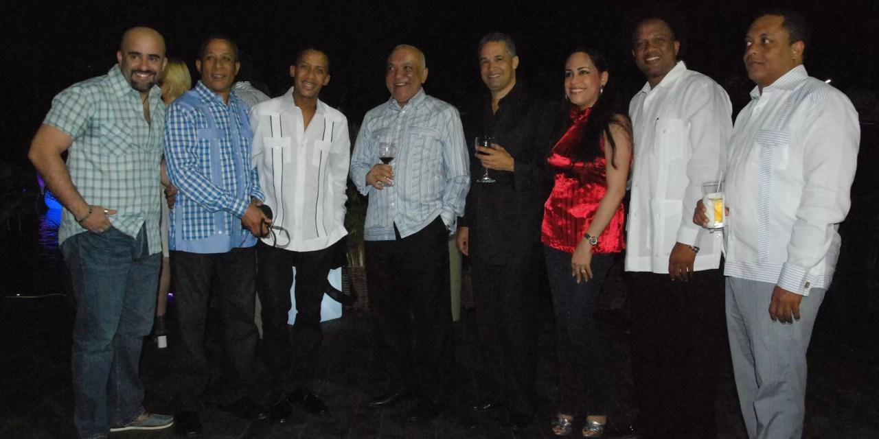 Jochy Santos celebró su amistoso encuentro con la prensa