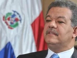 Leonel Fernández rehúsa referirse a denuncia presunta cuenta millonaria de la primera dama