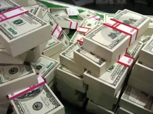 millonario-dinero-hereda-chofer-portero