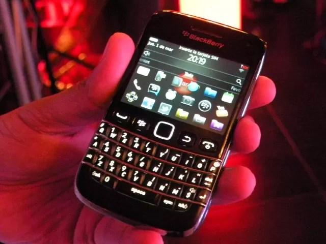 Claro lanza nuevo BlackBerry 9790 en República Dominicana