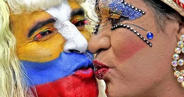 Funcionaria de Salud tenía centro ilegal que ofrecía cura a gays en Ecuador