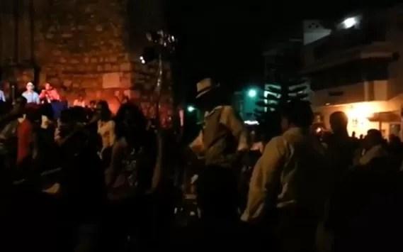 Así se goza en mi país: Hombre baila en un solo pie con el Grupo Bonyé (video)