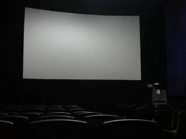 Los cines dominicanos deberían ser gratis por la cantidad de anuncios que colocan antes de cada película