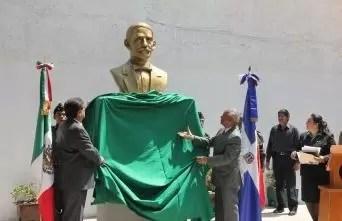 Inauguran plaza y parque en México en honor a RD
