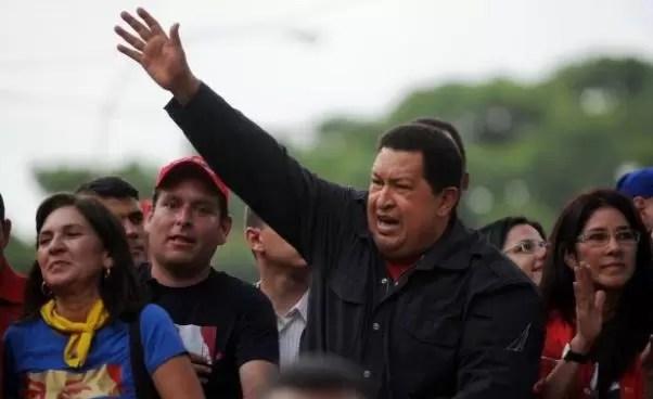 """Familiares desmienten rumores de supuesta muerte: Hugo Chávez pasó el """"día tranquilo y estable"""""""
