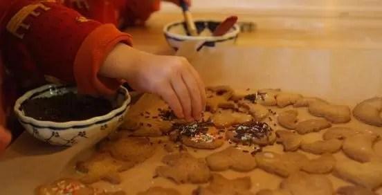 Niña de 14 años quiso envenenar con galletas a sus amigos