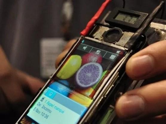 Pantalla solar o recarga sin cable, los teléfonos móviles buscan más autonomía