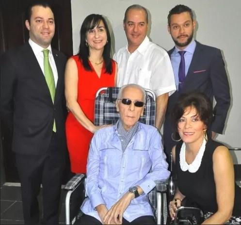 Yaqui Nunez y su familia
