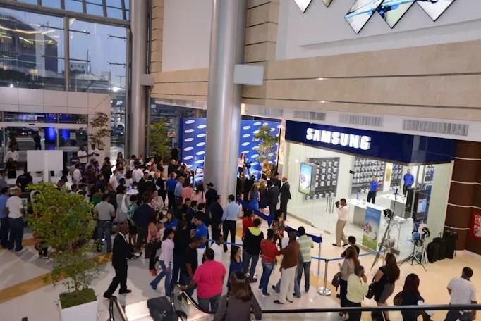 Samsung inaugura su primera tienda en República Dominicana