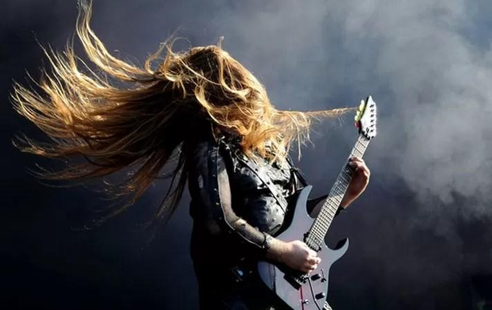 ¿Las personas inteligentes oyen rock y heavy metal?