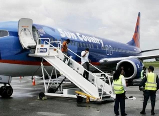 Llegan otros 97 deportados a República Dominicana