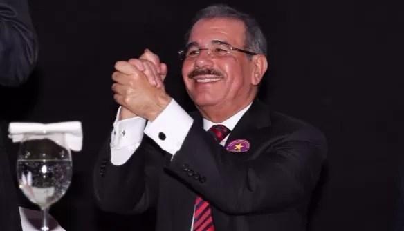 Danilo Medina feliz
