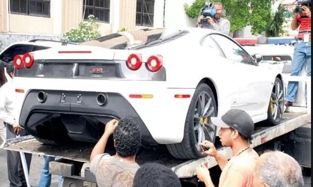 El Ferrari de José David Figueroa Agosto