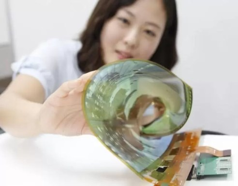 650_1000_flexible-rollable-oled_01