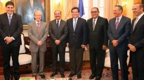 Danilo Medina con propietarios y directores de medios