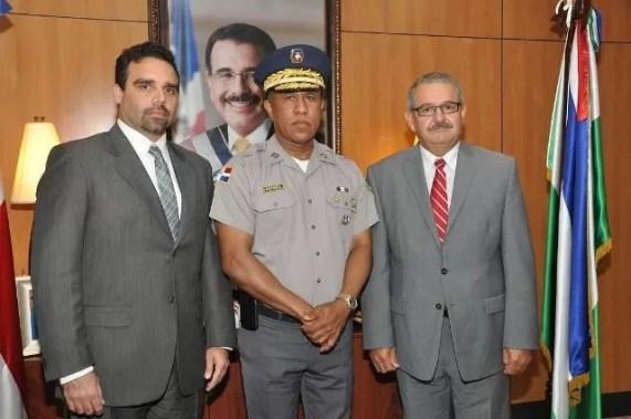 Castro castillo y las autoridades de Puerto Rico