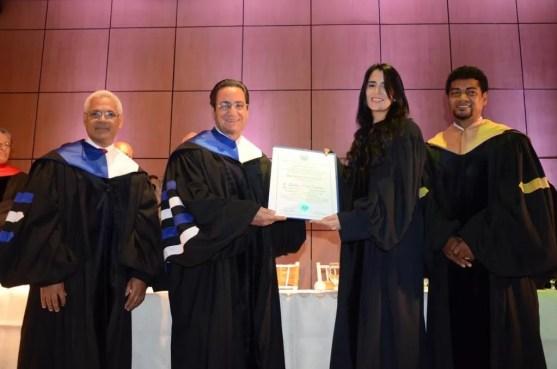 Ivan Grullon con Aisha Syed