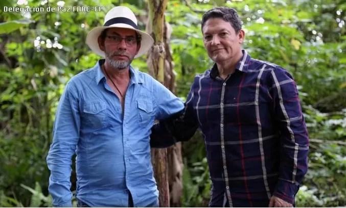 Polémica en Colombia por foto de guerrillero junto a general liberado por las FARC