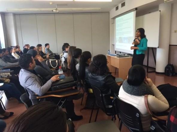 Lissette Perez durante la presentacion al CETT