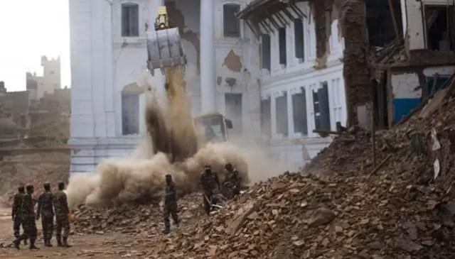 EXCAVADORA nepal