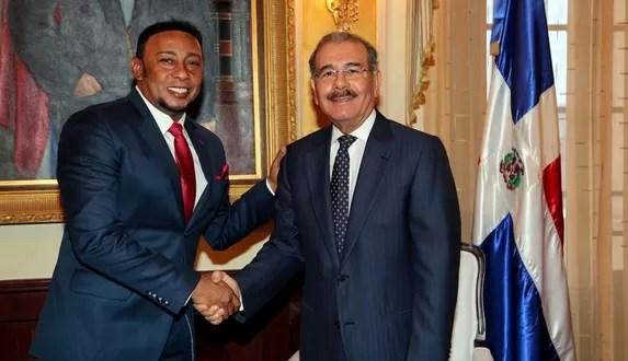 Anthony Santos y Danilo Medina