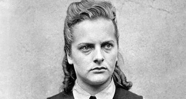 mujer nazi