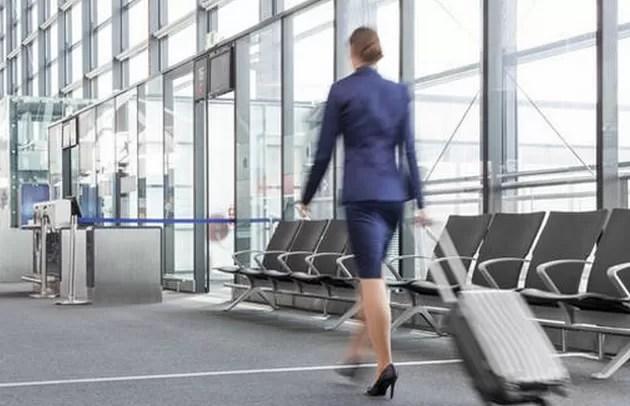 Una azafata cobraba 2.000 euros por tener sexo con pasajeros en el avión
