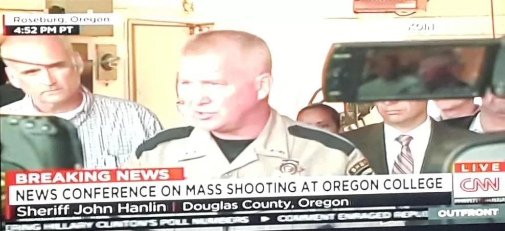 Tiroteo deja varios muertos en universidad en Oregon