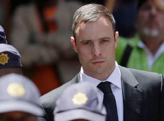 Pistorius obtiene libertad bajo fianza tras su condena por asesinato