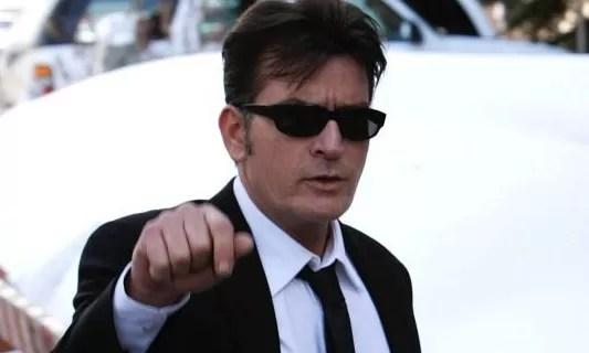 Charlie Sheen revela que es portador del virus del sida