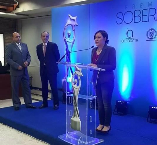 Edilenia, Luis Rubio y Jorge Ramos