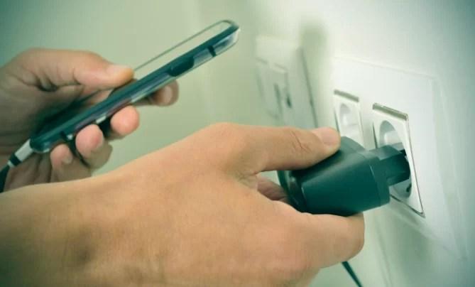 Cargando bateria smartphones