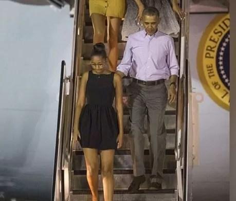 Obama llega a su estado natal de Hawái para vacaciones de Navidad