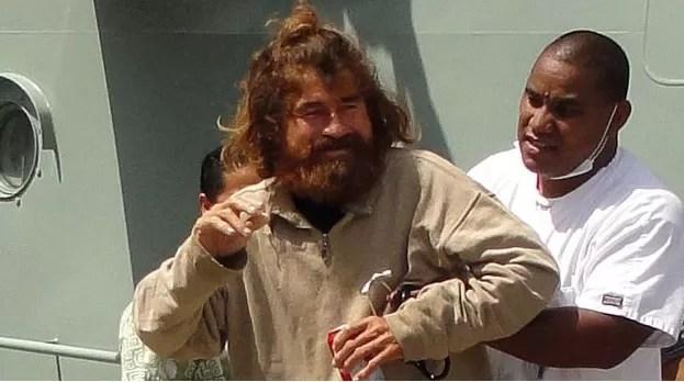 Náufrago que sobrevivió 13 meses en el mar ahora es acusado de canibalismo