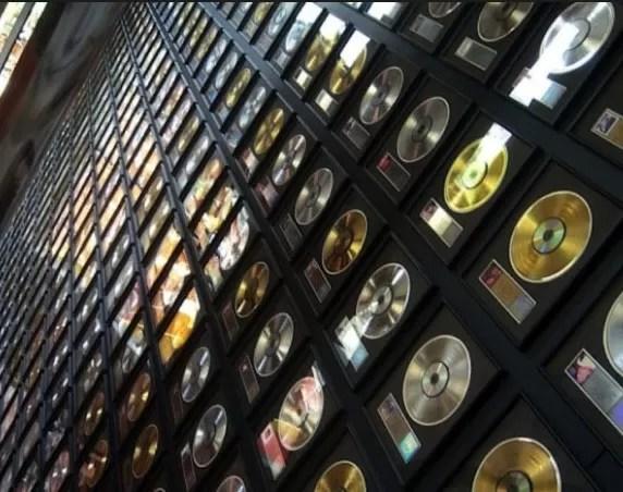 El streaming ahora se contabilizará en discos de oro y de platino