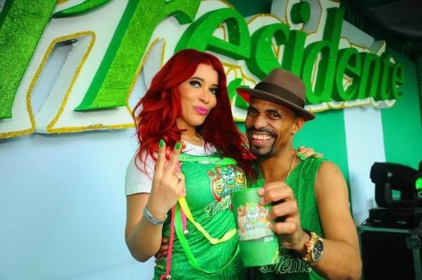 Elizabeth  y Fausto Mata