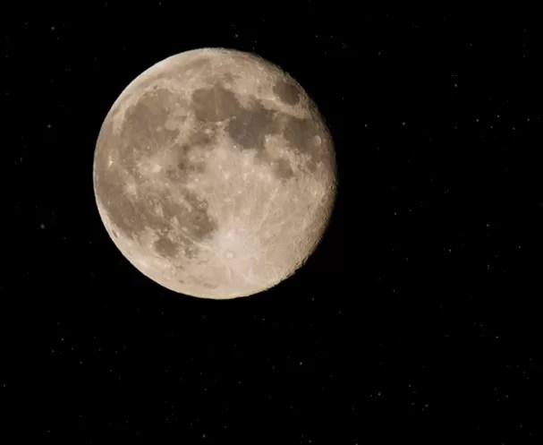 Rusia sueña con volver a la Luna y explorar Marte, pese a la crisis