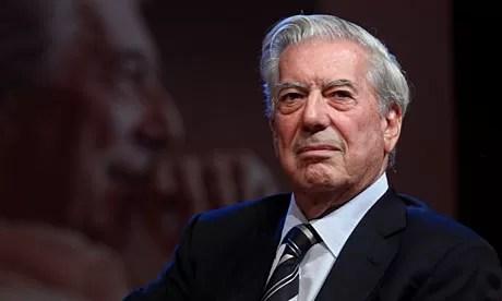 Vargas Llosa agradece premio otorgado por RD