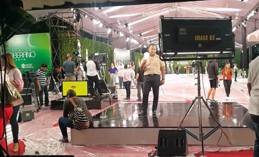 Video: Así va la Alfombra Roja de Premios Soberano 2016