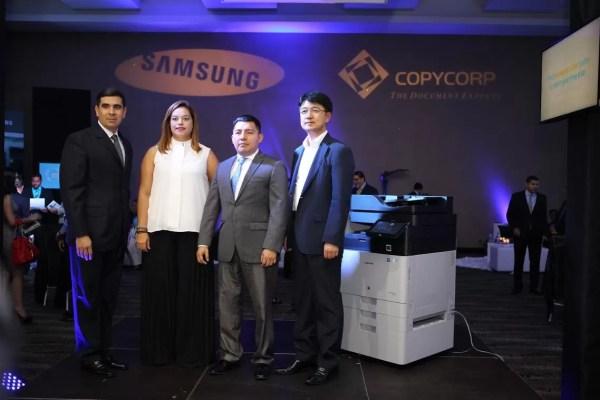Carlos Camejo, Rita Barbieri, Archibold y Youngjin Sung.